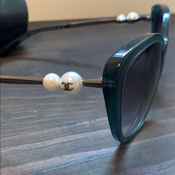 CHANEL Accessories - Chanel sunglasses with pearls